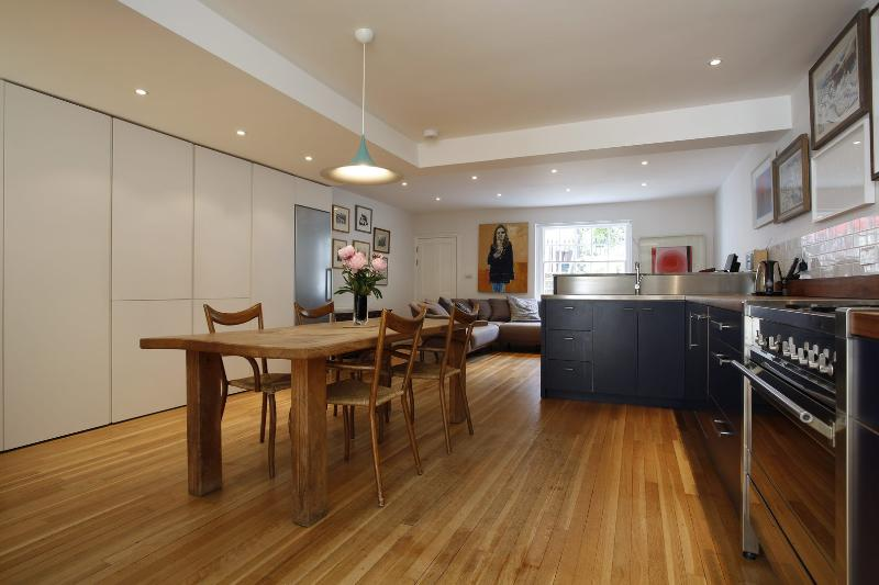 Contemporary Camden, 5 bedrooms - Albert Street - Image 1 - London - rentals