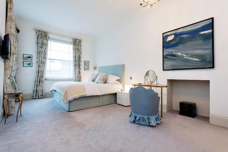 6 bedroom home with pool, Chepstow Villas, Notting Hill - Image 1 - London - rentals