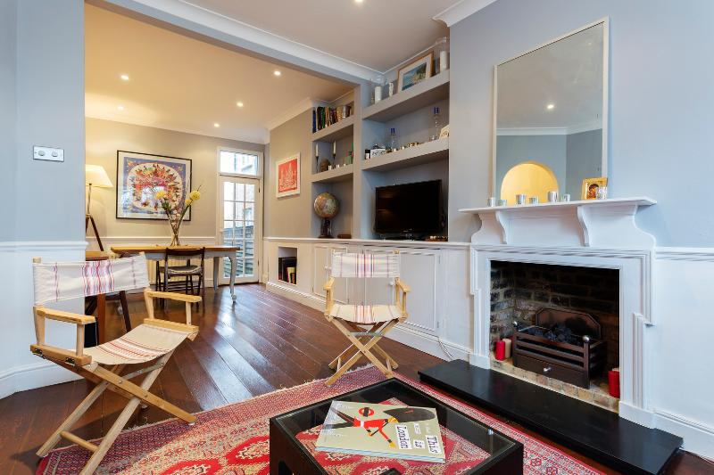 French-style 3 bed home, Townmead Road, Fulham - Image 1 - London - rentals