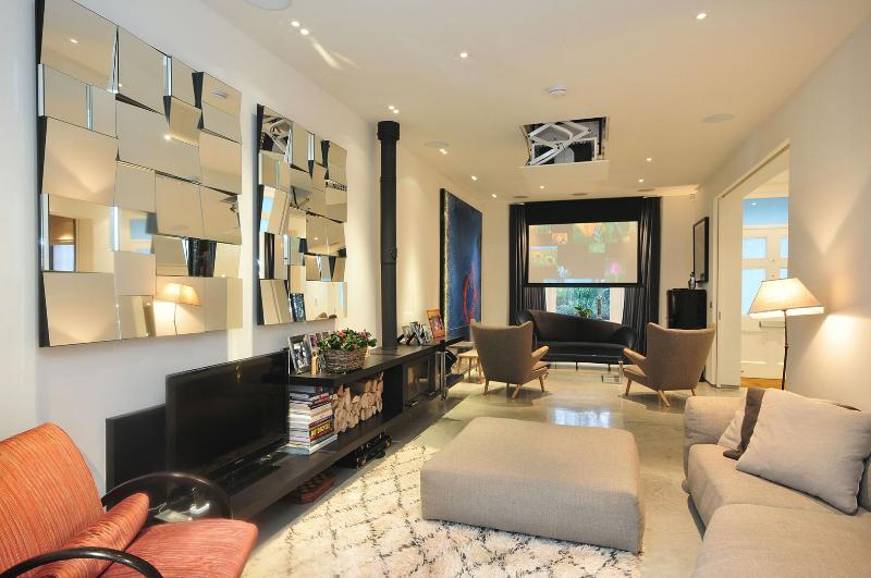 Phenomenal Family home offering 5 bedrooms - Kingswood Avenue, Queens Park - Image 1 - London - rentals