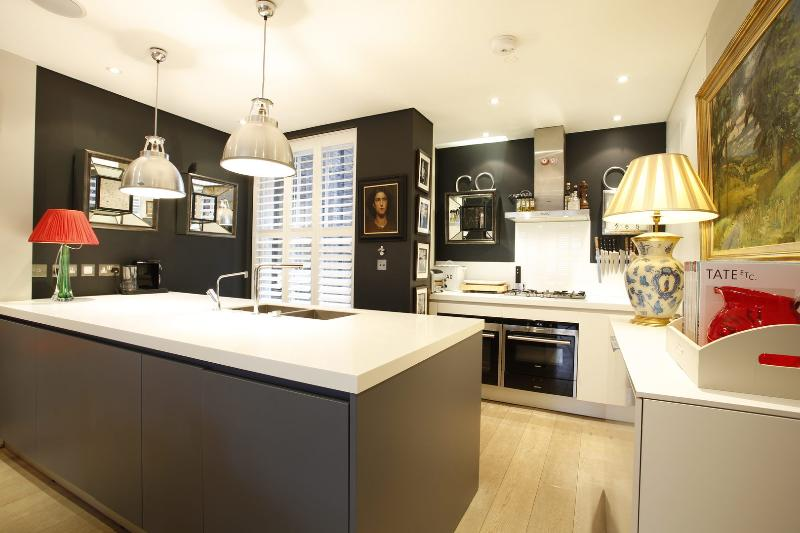 Immaculate 4 Bed opposite Battersea Park - Albany Mansions. - Image 1 - London - rentals