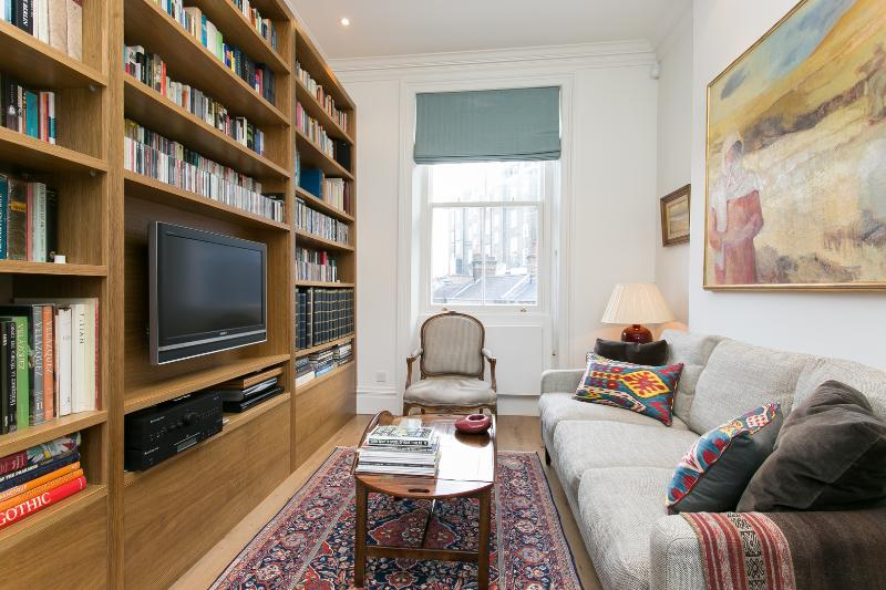 3 bed townhouse on Clarendon St, Westminster - Image 1 - London - rentals