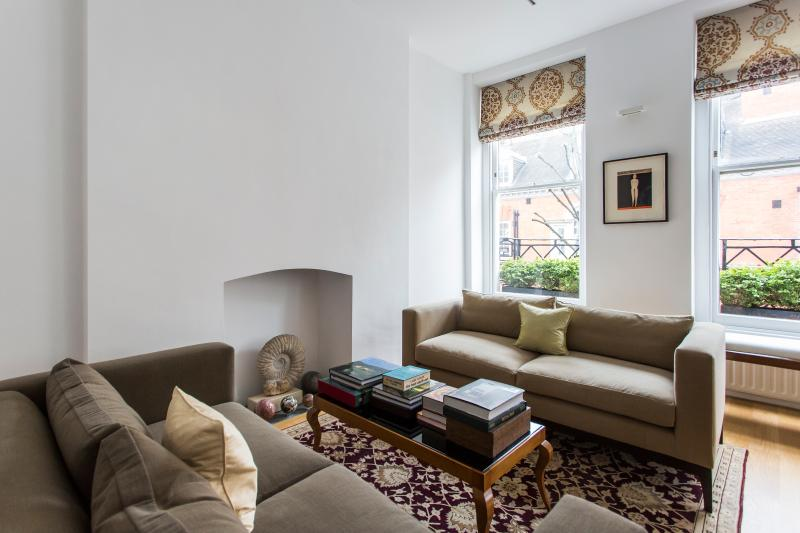 onefinestay - Handel Street private home - Image 1 - London - rentals