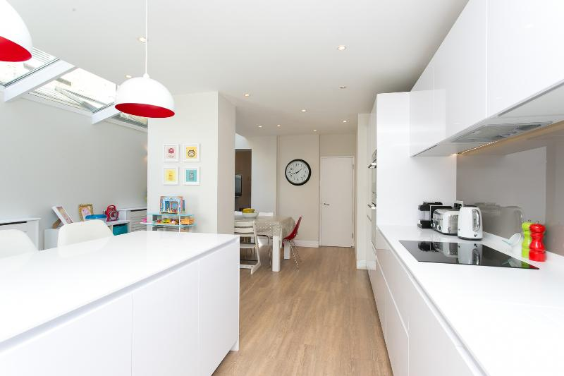 A stunning and bright house in Clapham - Image 1 - London - rentals