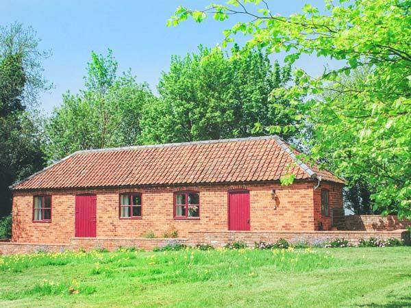 HILL TOP COTTAGE, stunning views, off road parking, garden with orchard, near Lincoln, Ref 19923 - Image 1 - Lincoln - rentals