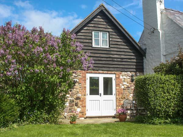 THE OLD WORKSHOP, pet-friendly, character holiday cottage, with a garden in Picklescott, Ref 2176 - Image 1 - Picklescott - rentals