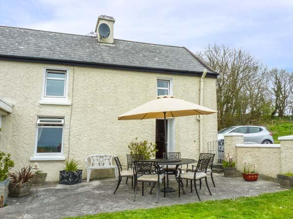 ATLANTIC VIEW, pet friendly, country holiday cottage, with a garden in - Image 1 - Kilbrittain - rentals