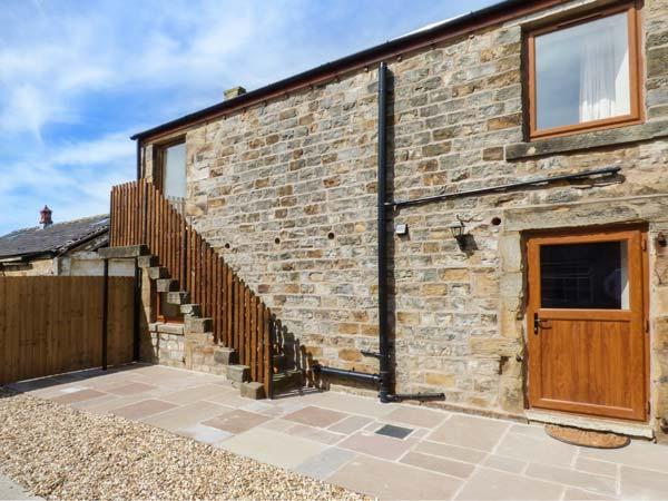 THE FURROWS, upside down cottage, private patio, WiFi, open plan, Garstang, Ref 914986 - Image 1 - Garstang - rentals