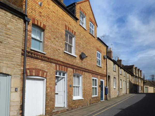 15A AUSTIN STREET excellently-presented, close to amenities, character features in Stamford Ref 919023 - Image 1 - Stamford - rentals