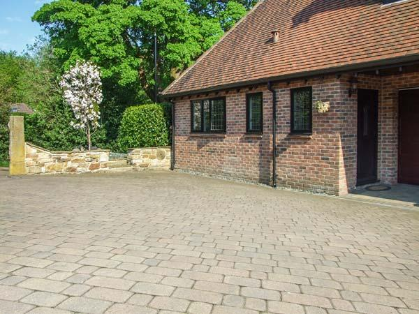 BEECHCROFT CORNER HOUSE romantic retreat, WiFi, close to city centre in Sheffield Ref 930258 - Image 1 - Sheffield - rentals