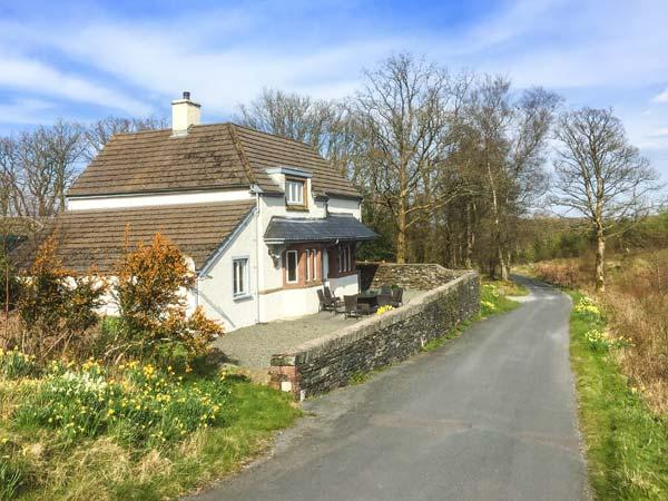 KEEPER'S COTTAGE detached, en-suite, Graythwaite Estate, WiFi on-site facilities including pool, gym in Graythwaite Ref 932364 - Image 1 - Graythwaite - rentals