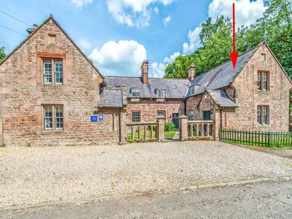 FORD COTTAGE, Grade ll listed, woodburner, pets welcome, Chatton Ref 939107 - Image 1 - Chatton - rentals