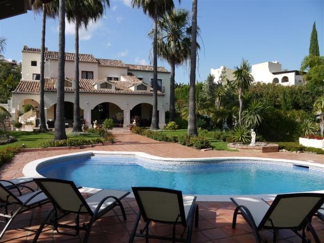 5 bedroom Villa in La Cerquilla, Nueva Andalucia, Spain : ref 2086191 - Image 1 - Nueva Andalucia - rentals