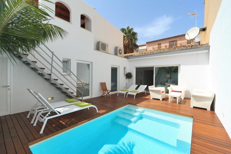 3 bedroom Villa in Puerto Pollença, Mallorca, Mallorca : ref 2086241 - Image 1 - Port de Pollenca - rentals