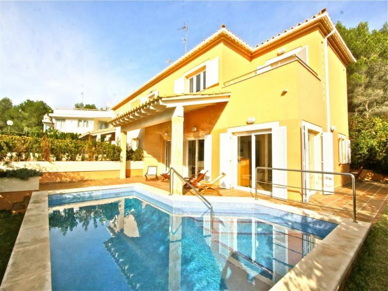 4 bedroom Villa in Alcudia, Alcanada, Mallorca, Mallorca : ref 2086332 - Image 1 - Puerto de Alcudia - rentals