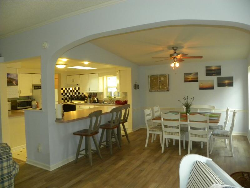 Dining area - Beach Access from This Ocean Pines Beauty! - Ocean Pines - rentals