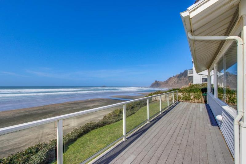 Warm, oceanfront house w/ amazing ocean views & quick beach access! - Image 1 - Lincoln City - rentals