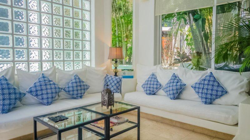 2 Bedroom Luxury condo Rental with 2 story high Living Room - Image 1 - Playa del Carmen - rentals