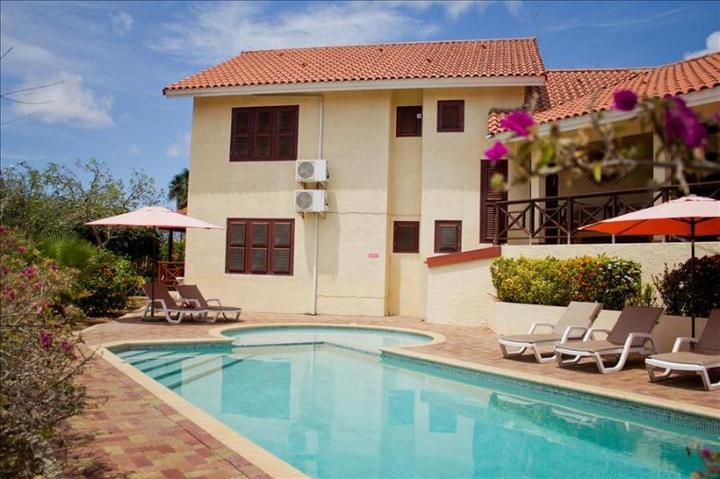 Eco-friendly 5 bedroom villa - Image 1 - Willemstad - rentals