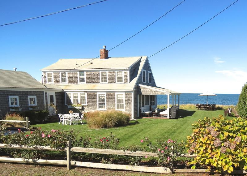 012-B - Upscale cottage, right on the beach! -- 012-B - Brewster - rentals