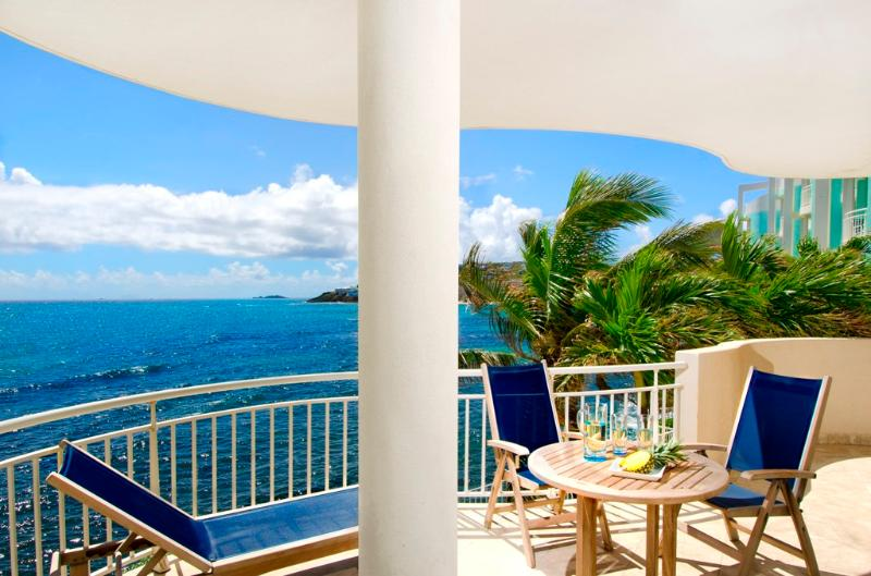 The Lighthouse 2C - Ideal for Couples and Families, Beautiful Pool and Beach - Image 1 - Philipsburg - rentals