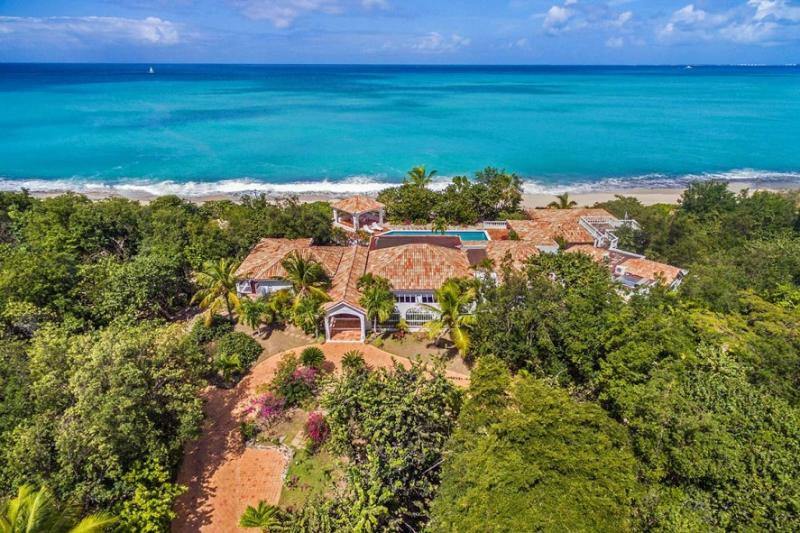 Day O...beachfront on Plum beach, St. Martin 800 480 8555 - DAY'O...enjoy the soft white sand of Plum Bay Beach at your doorstep... - Saint Martin-Sint Maarten - rentals