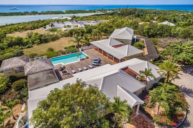 La Croisette, Terres Basses, St Martin 800 480 8555 - LA CROISETTE... An intimate hillside villa with a big view... - Terres Basses - rentals