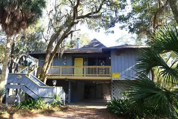 "718 Jungle Rd - ""Gray Escape"" - Image 1 - Edisto Beach - rentals"