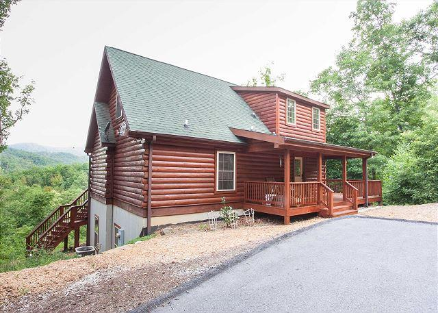 Blue Bear Cabin | 3 BR Asheville Area | Mountain Views | Gas Fireplace - Image 1 - Bat Cave - rentals