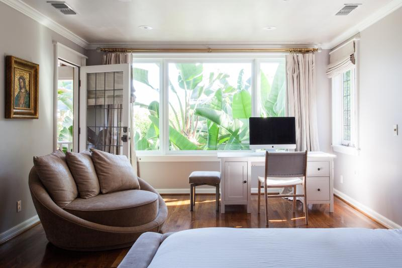 onefinestay - Saint Ives Drive private home - Image 1 - Los Angeles - rentals
