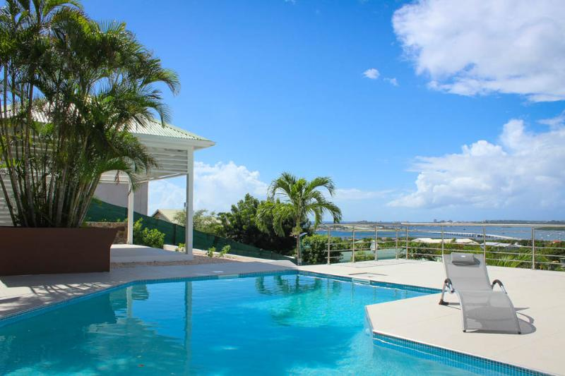 Ideal for Couples & Groups, Private Pool, Short Drive to the Beach & Restaurants - Image 1 - Cole Bay - rentals