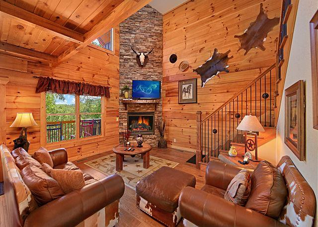 Living room - MAJESTIC FOREST:Gorgeous &  Luxurious 3/5-Unbeatable location! - Pigeon Forge - rentals