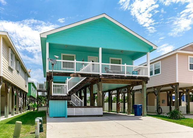 Welcome to Isle Be Back Again! - Lost Shaker of Salt: Pool, Close to Beach, Island Decor, Parking - Port Aransas - rentals