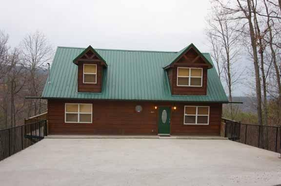 Bear Crossing Lodge - Image 1 - Gatlinburg - rentals