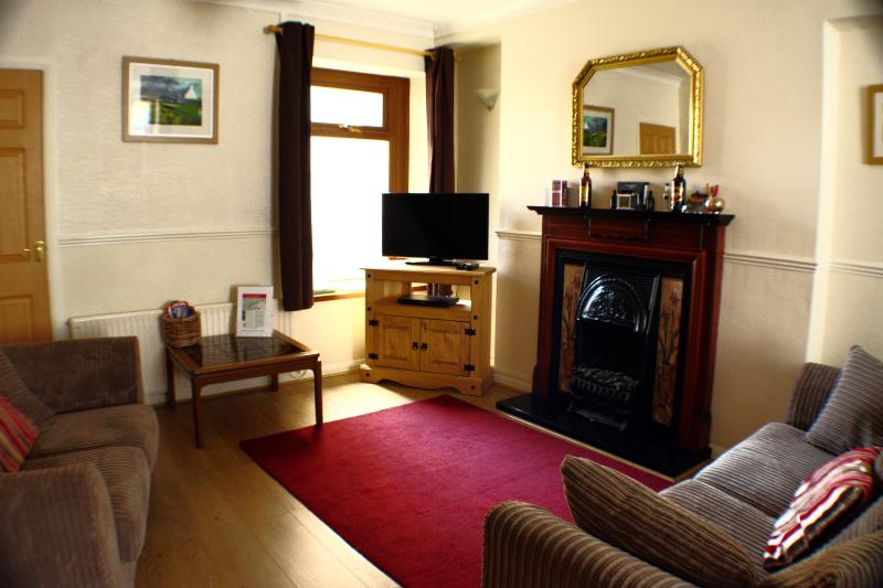 Lounge - TY SKYLINE HOUSE - comfort for active holidays - Port Talbot - rentals