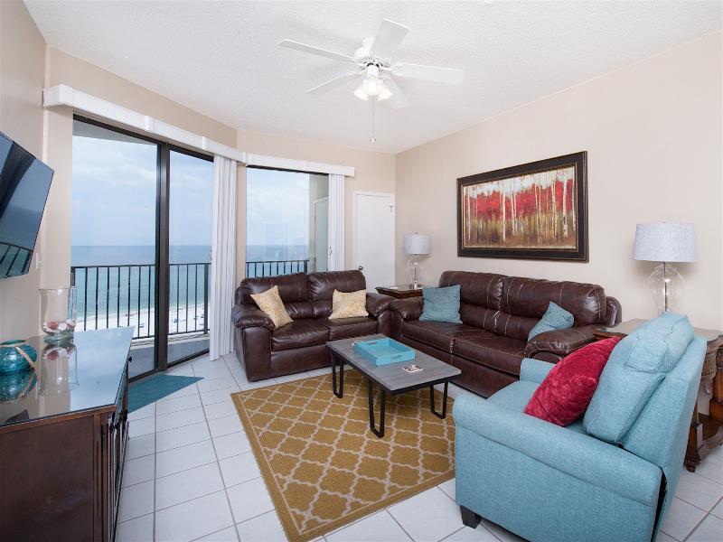 Family room with queen sleeper, balcony/ocean view, recliner - Oceanfront Condo Phoenix 7 - Orange Beach - rentals