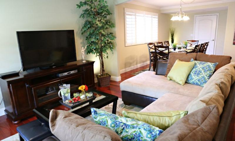 Family Room 1 & Dining Room 1 - Destination #16 - Anaheim - rentals