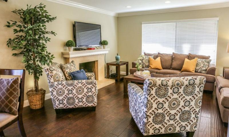 Family Room - Destination #24 by Anaheim Vacation House - Anaheim - rentals