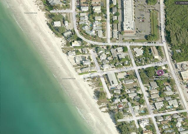 Beach Side Studio Vacation Rental on Anna Maria Island steps to Holmes Beach - Image 1 - Holmes Beach - rentals