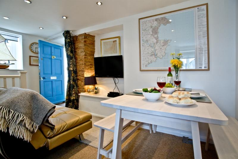 Crew Cottage  located in Brixham, Devon - Image 1 - Brixham - rentals