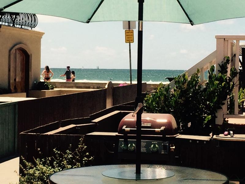 Ocean views from patio. Child safe - cross no streets to beach. 2 tables & bbqs, seats 20+ Shared - Best Mission Beach Location, Steps to sand, Value! - Pacific Beach - rentals