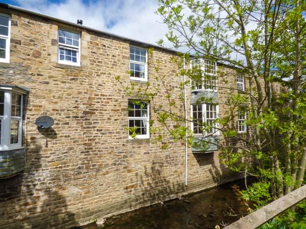 LITTLE WENLOCK stone-built cottage, close to town amenities, WiFi, open plan - Image 1 - Skipton - rentals