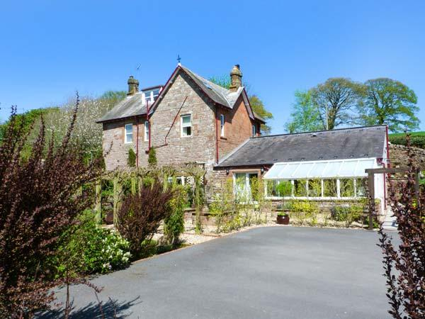NORTH LODGE, all bedrooms with TV, open fire, WiFi, large garden, pet-friendly, Annan, Ref 937510 - Image 1 - Annan - rentals