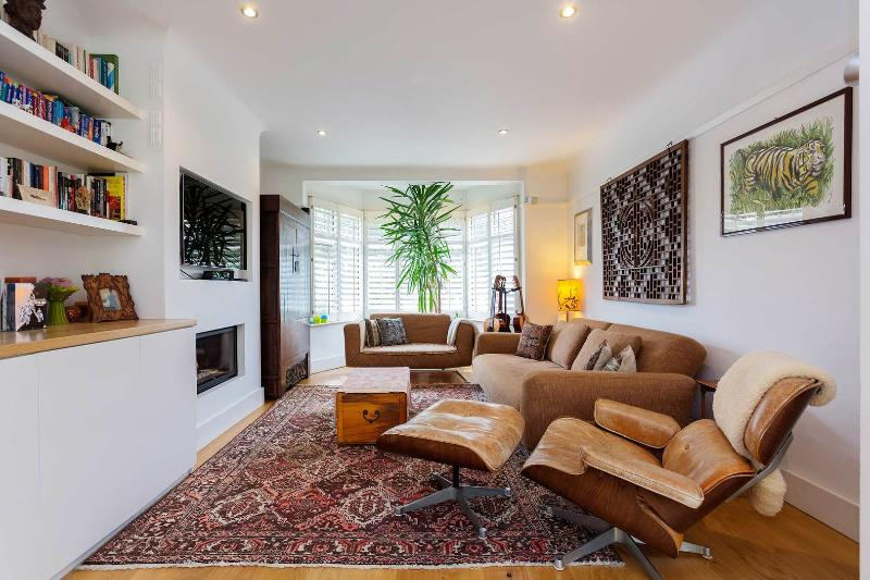 A fresh and modern home in charming Wandsworth. - Image 1 - London - rentals