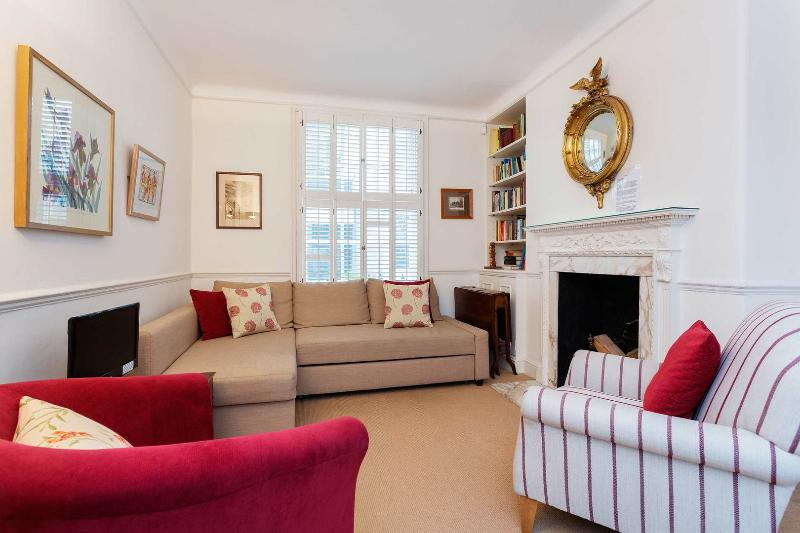 A traditional and charming four-level house in exclusive Knightsbridge. - Image 1 - London - rentals