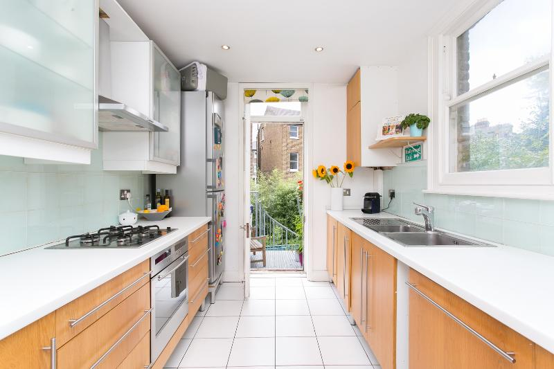 3 bed family home, Southcote Road, Tufnell Park - Image 1 - London - rentals