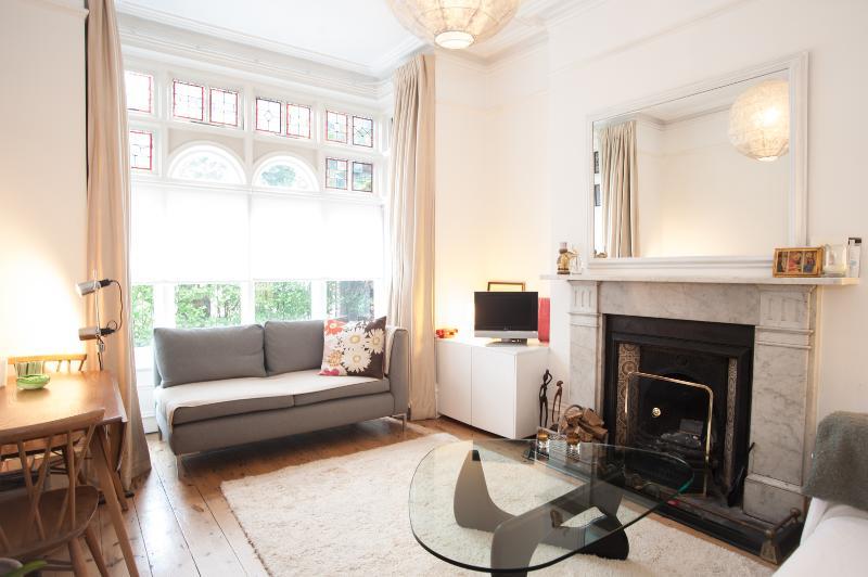 2 bed garden flat on the Green, Twickenham - Image 1 - London - rentals
