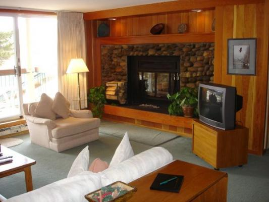 Wood Fireplace - This is what a ski vacation is all about. - 2148 The Pines - West Keystone - Keystone - rentals