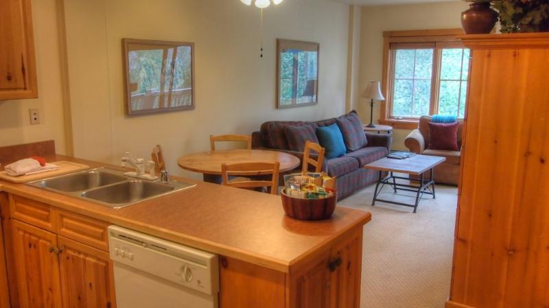 Living from kitchen - - 8586 Expedition Station - River Run - Keystone - rentals