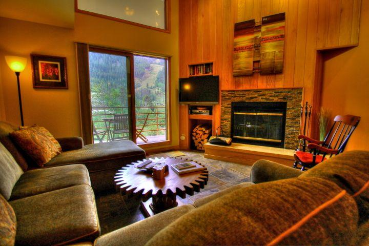 Great Room - Amazing views of the snake river below and mountains above. Slope Side! - SR413 Ski Run - Mountain House - Keystone - rentals